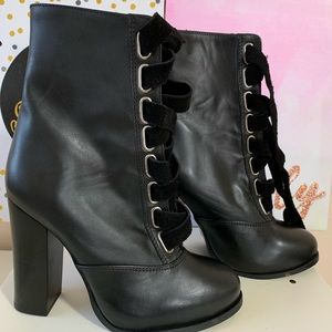 Brand New Nasty Gal Lace-Up booties ( Black)